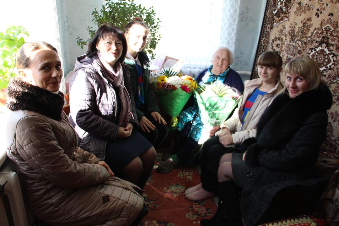 Сегодня, 14 февраля 2019 года, отметила свой 90-й день рождения жительница города Бахчисарая, ветеран, труженица тыла, Зайцева Лидия Ивановна