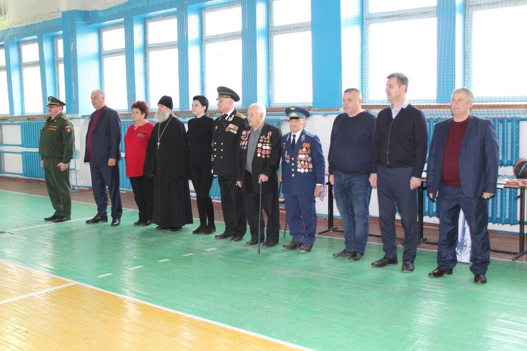 В Бахчисарае прошла I зимняя военизированная спартакиада молодежи допризывного возраста, посвященная Дню Защитника Отечества.